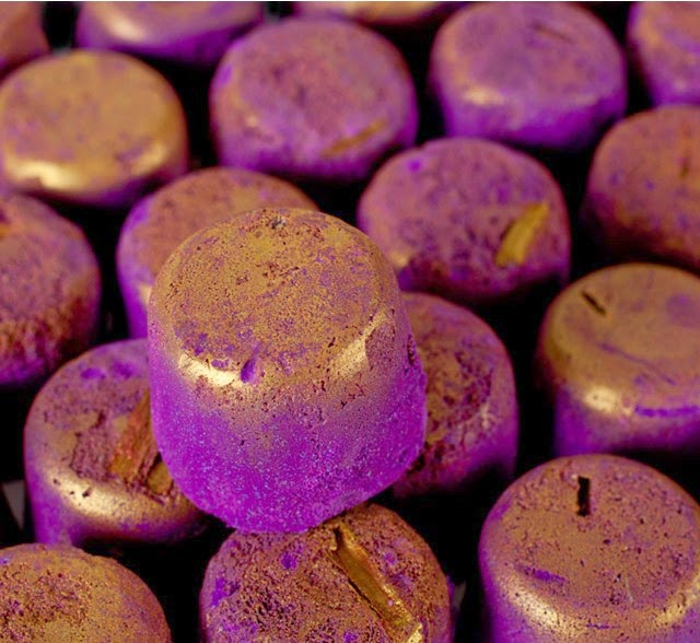 Lush, balistic, boule pour le bain, ballistic, phoenix, phoenyx, ballistic canelle, balistic violet