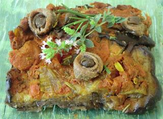 Tian d'aubergines grillées aux tomates et aux anchois