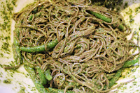 Soba noodles with green beans and pesto