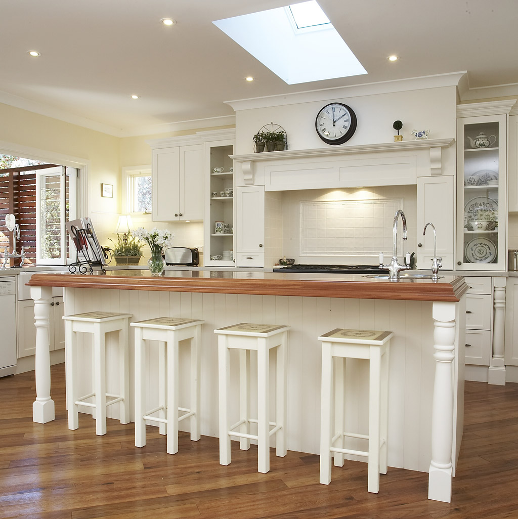 White French Country Kitchens Designs