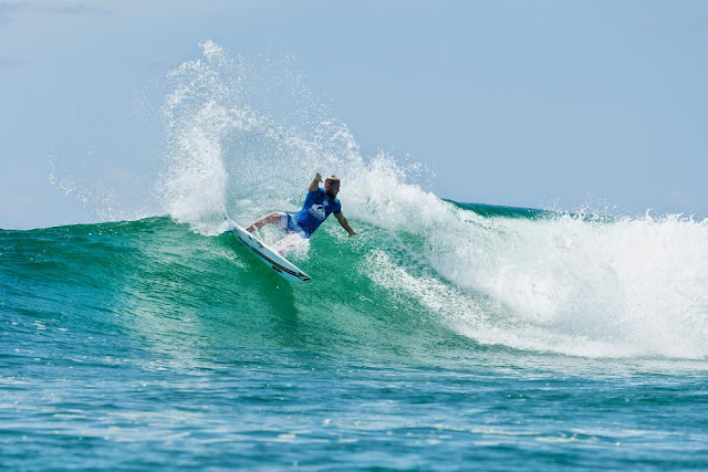 21 Quiksilver Pro Gold Coast 2015 Dusty Payne Foto WSL Kelly Cestari