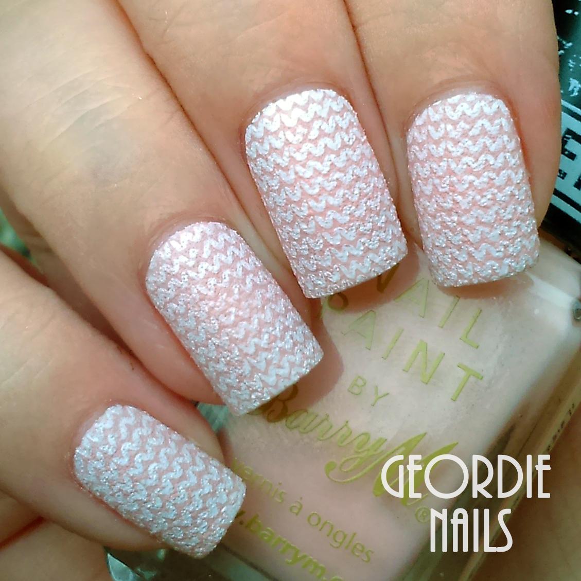 Geordie Nails: Two Fuzzy Knit Manicures!