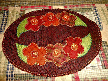100% WOOL FLOWER APPLIQUE CANDLE MAT