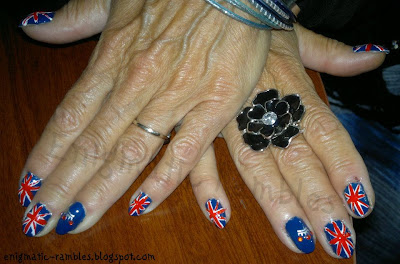 UK-GB-Great-Britain-nails-enigmatic-rambles