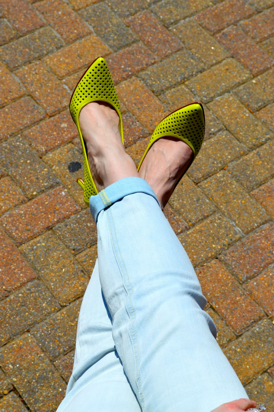 nordstrom-citron-pumps