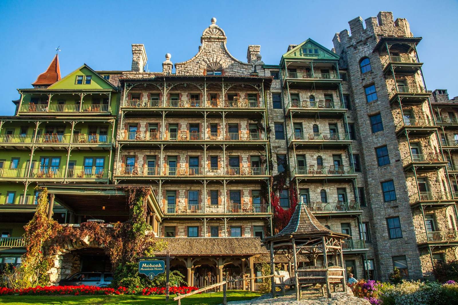 My musings mohonk mountain house for Montain house