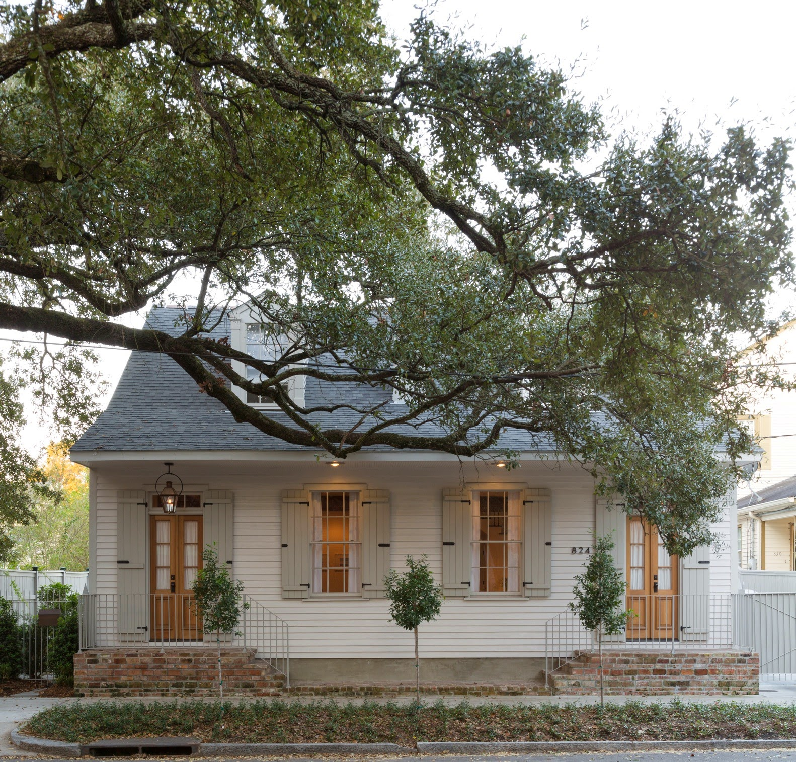 1000 images about cottage exteriors on pinterest beach for Creole house plans