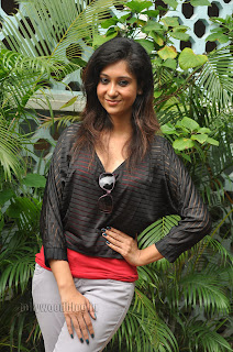 Sindhu Affan in Black Top and Denim Jeans Spicy Pictures