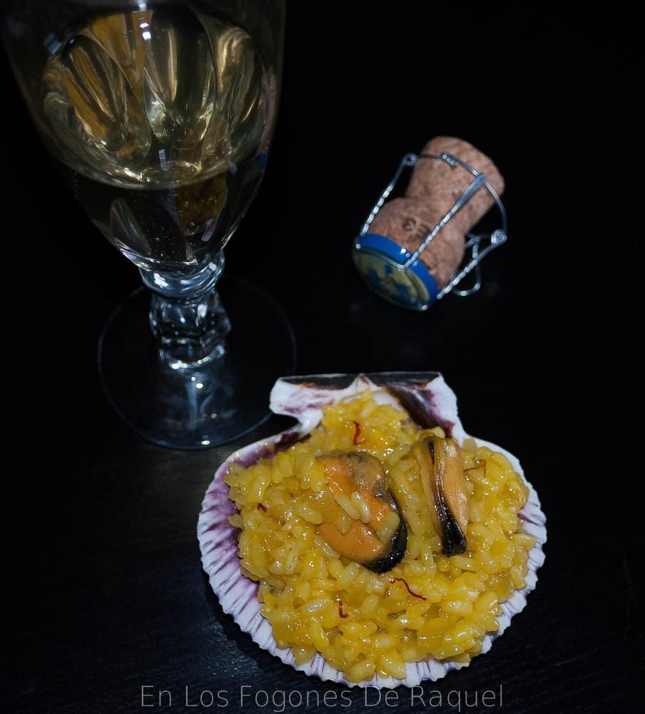 http://enlosfogonesderaquel.blogspot.com.es/2014/02/arroz-al-cava-con-mejillones-y-azafran.html