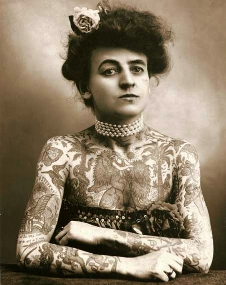 52 photos of women who changed history forever - Maud Wagner, the first known woman who had tattoos in USA (1907).
