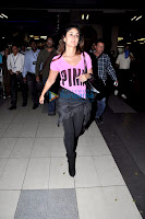 Ajay Devgan & Kareena Kapoor return from Dubai