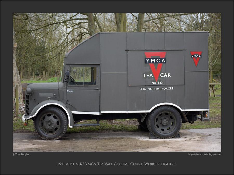 1941-Austin-K2-YMCA-Tea-Van,-Croome-Cour