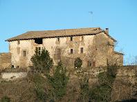 La façana de migdia de La Codina