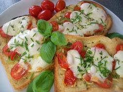 Zapeceny chlieb s mozzarellou - yummi!
