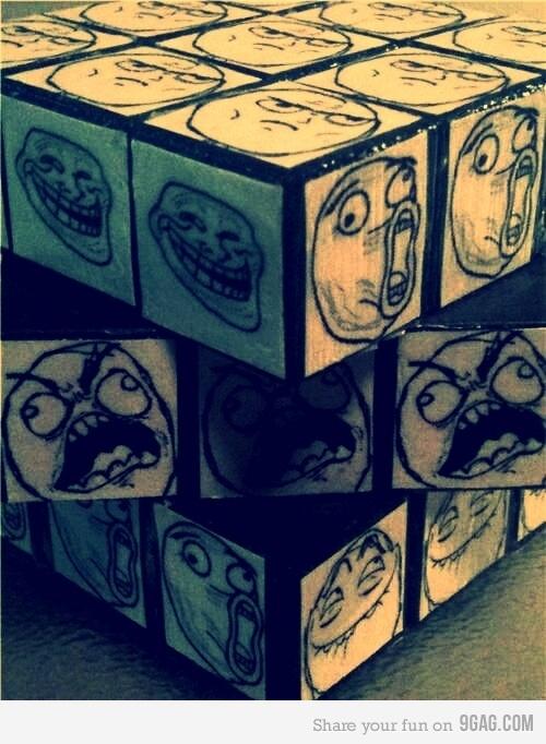 Cubo mágico dos memes...