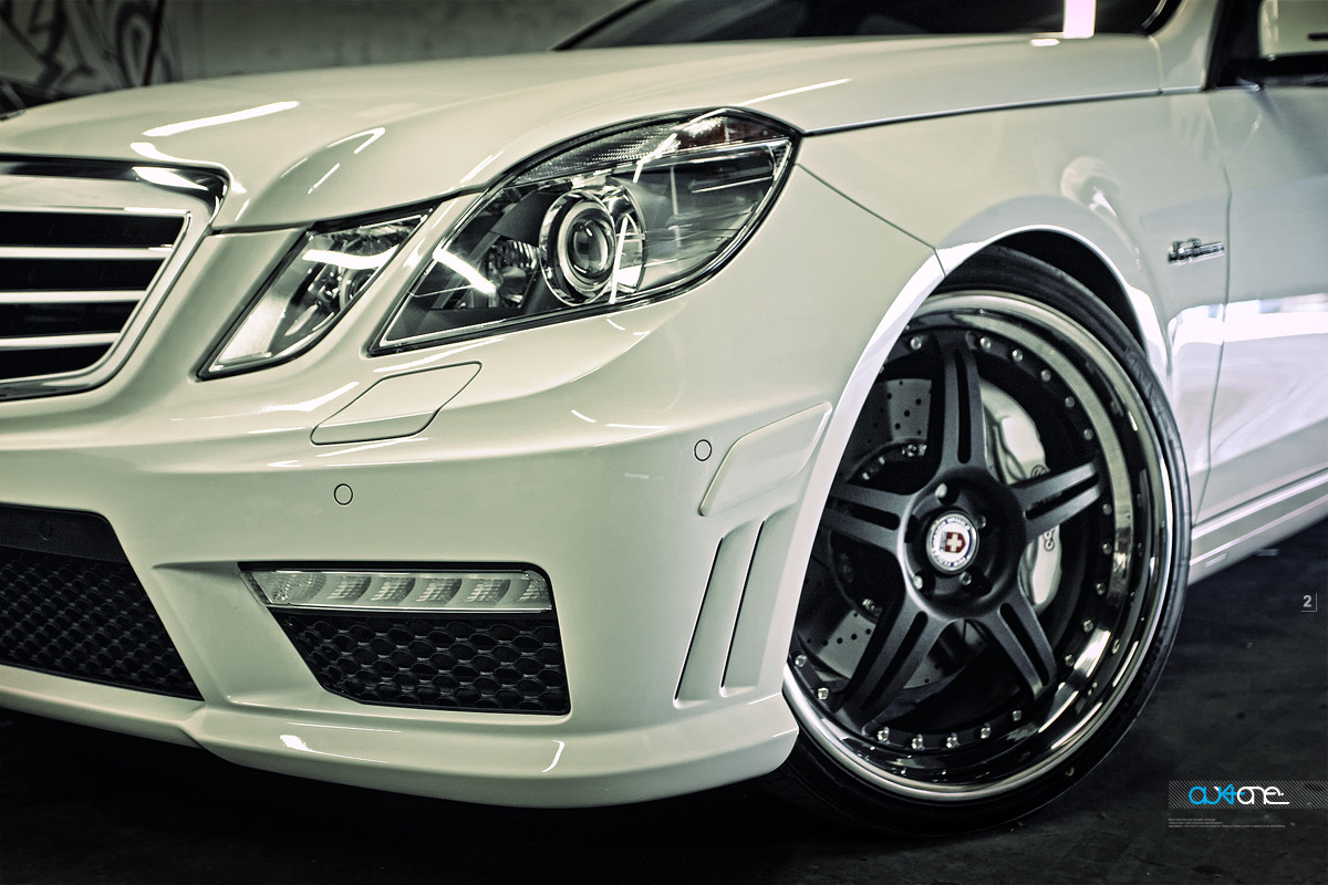 Mercedes-Benz E63 AMG WHITE