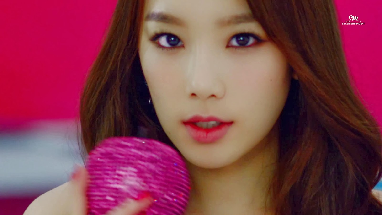 SNSD Taeyeon (태연; テヨン) Mr Mr Wallpaper HD Screencap