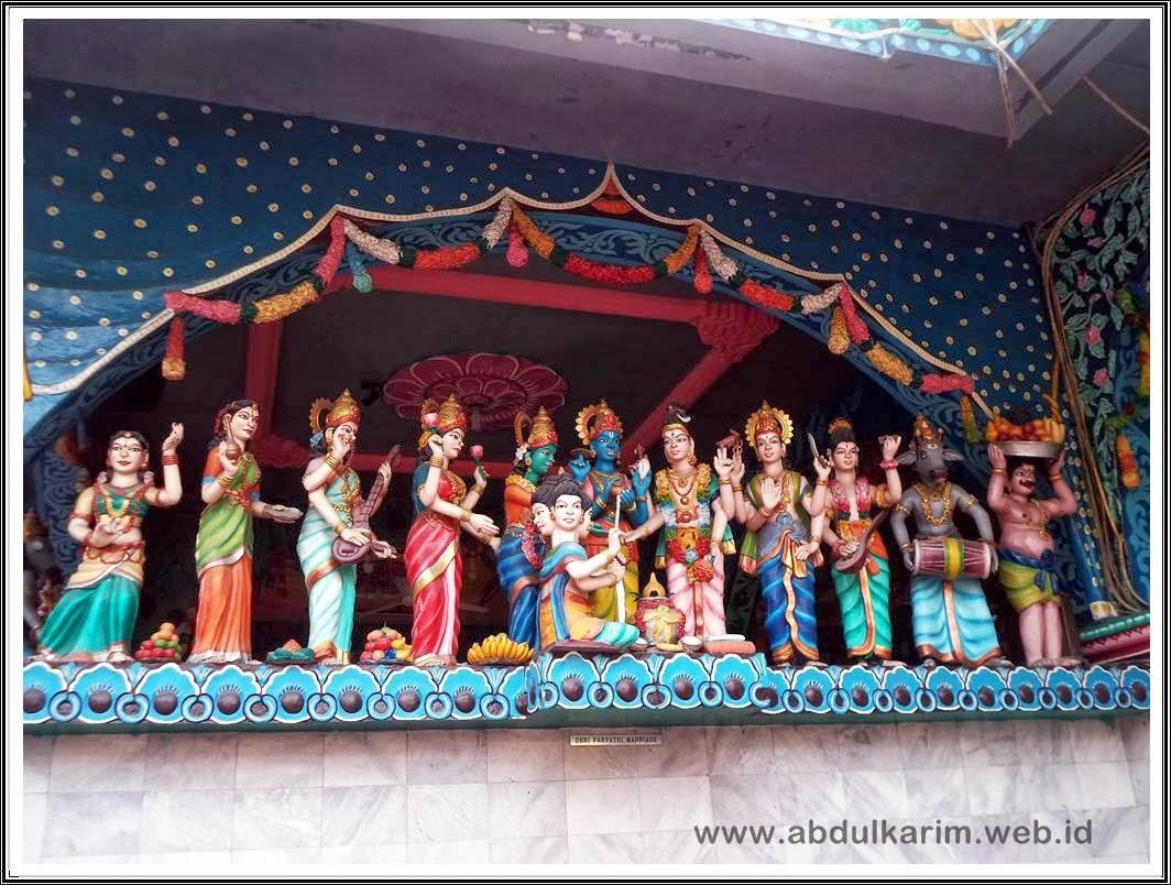 Patung Pernikahan Shri Parvathi Shri Mariaman Medan