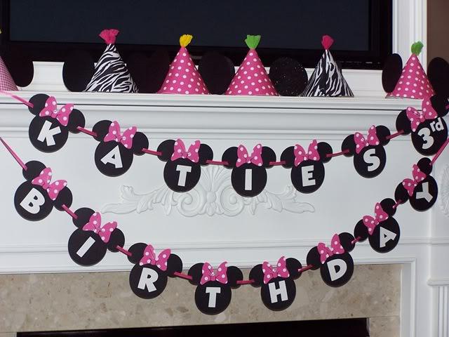 C mo decorar una fiesta inspirada en minnie mouse for Guirnaldas para imprimir