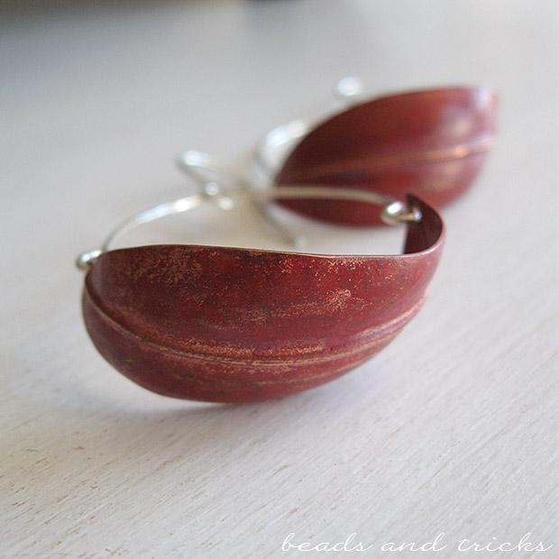 Orecchini in rame e argento con patina rossa