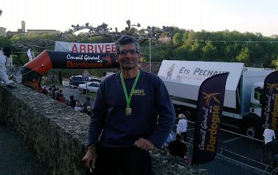 Després dels 100km. Content per la meva 53a cursa de 100km acabada però cansat pel viatge i la cursa.