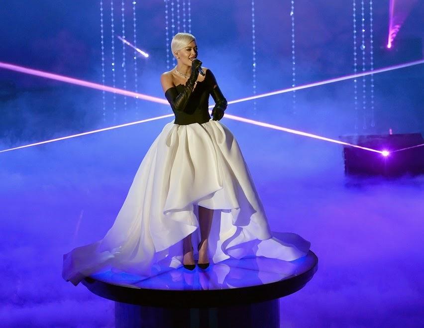 Rita Ora Wears Custom Vera Wang Collection Dress to Oscars