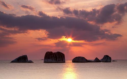 Hasil gambar untuk pulau kepayang sunset