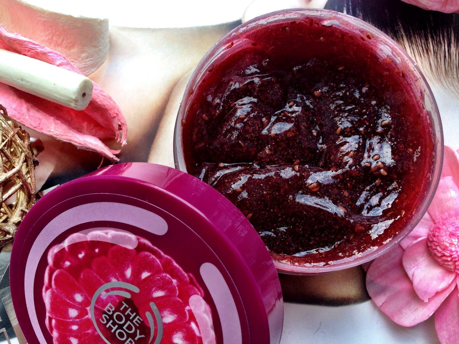 The Body Shop Raspberry Range Body Scrub