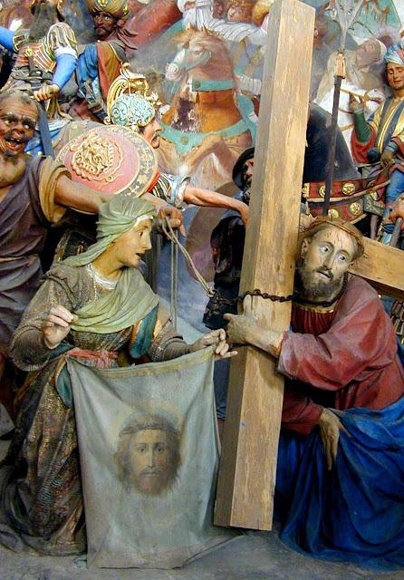 Cincia confirma a igreja 6 estao da via sacra a vernica enxuga o rosto de jesus sacro monte di varallo itlia fandeluxe Image collections