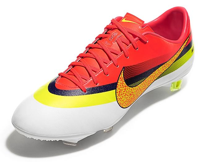 Nike lança hoje a nova linha Mercurial com a assinatura do craque ...