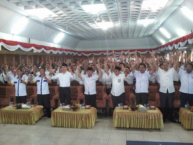 Tim Pemenangan Zumi Zola-Fachrori Umar Kota Sungai Penuh Resmi di Lantik