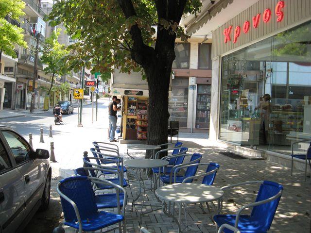Άφωνοι οι Εδεσσαίοι για τις προεκτάσεις πεζοδρομίων μπροστά από καφετέριες
