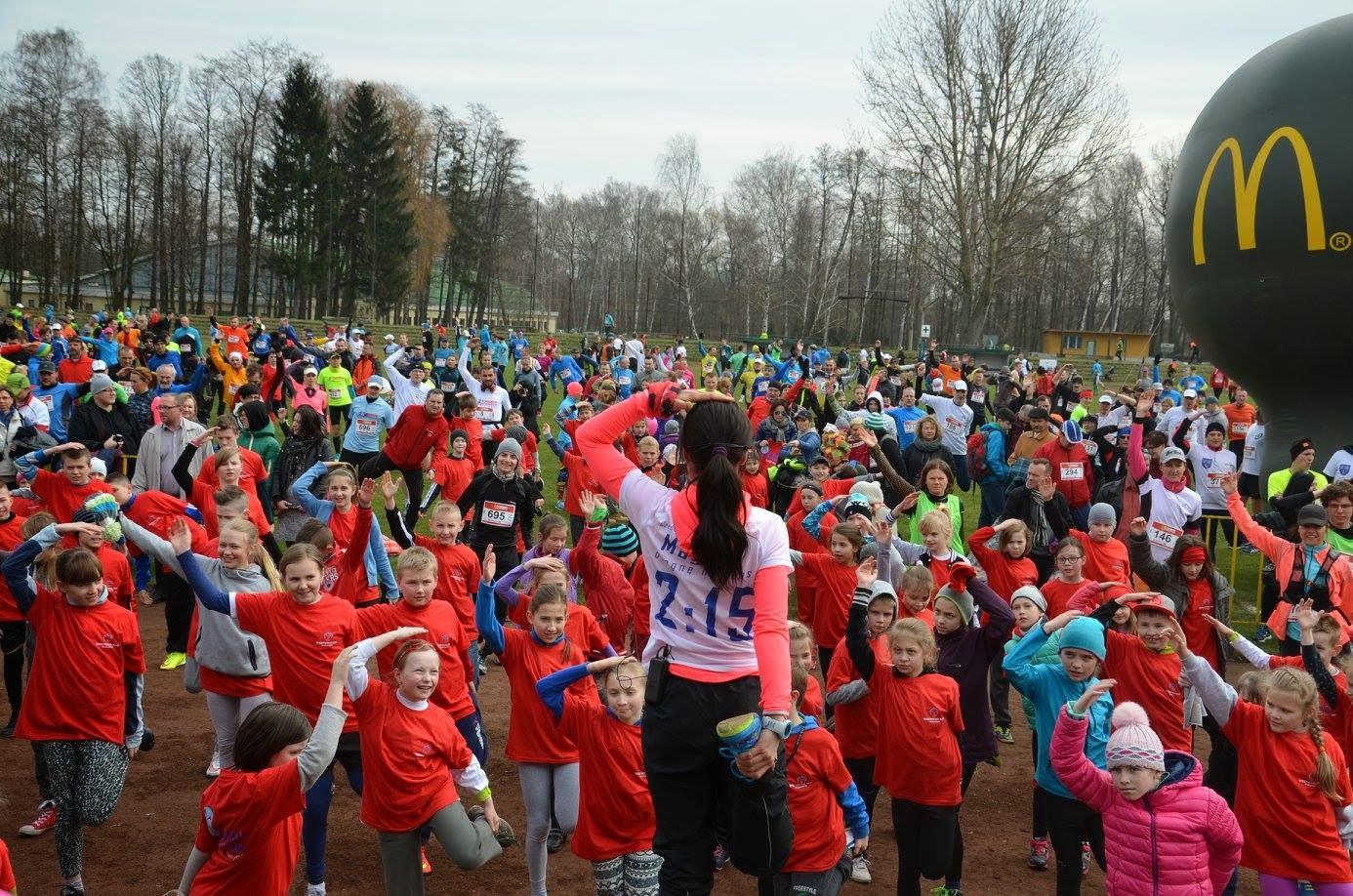 v pabianicki półmaraton 2015 - rozgrzewka przed półmaratonem