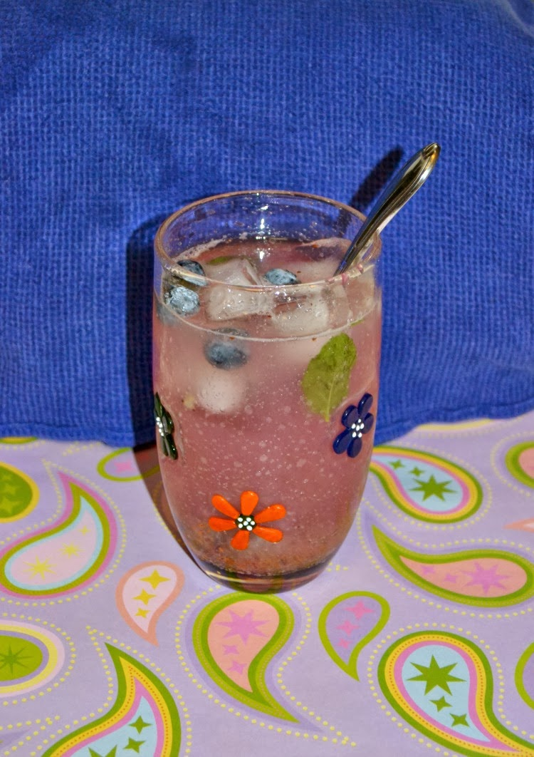 Blueberry Lemonade - Hezzi-D's Books and Cooks