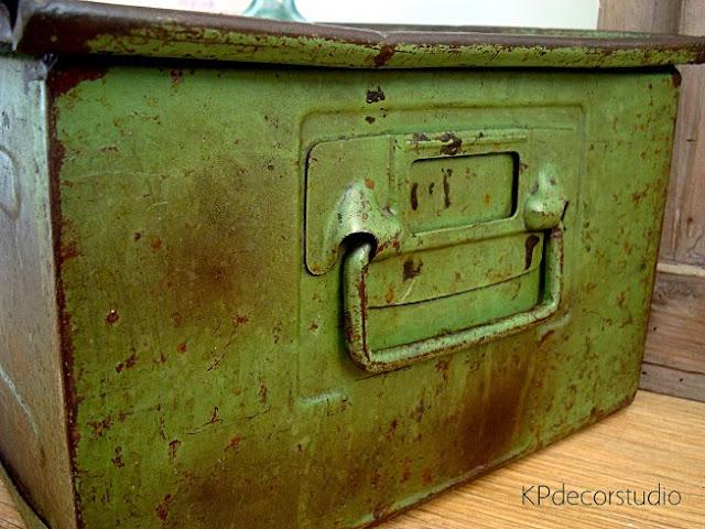 Comprar archivadores metálicos estilo industrial. Cajas metálicas y cajones de metal