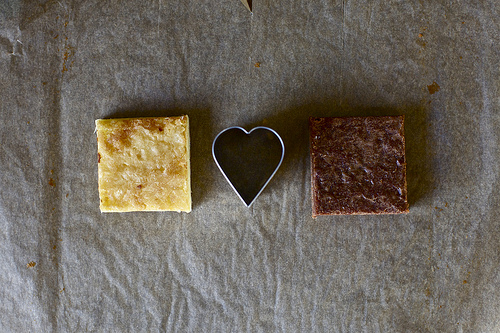 THE HOT SPOT: White & Dark Hearted Brownies