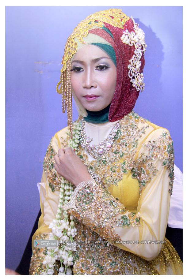 Foto Wedding MEI & SIGIT - 21 Juli 2015 | Tata Rias, Busana & Dekorasi oleh : Utami Irawan Rias Pengantin Purwokerto | Foto oleh Klikmg Fotografer Purwokerto