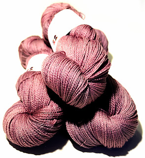 http://laine-et-plus.com/produit/ef-merinos-et-soie-lace-rose/