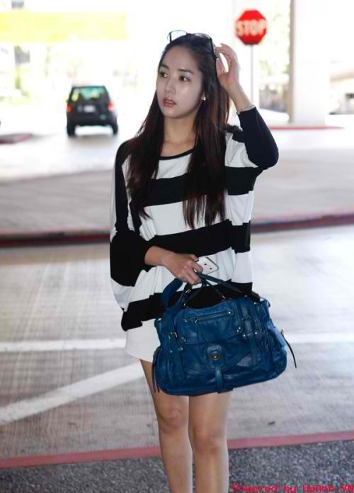 park min young minyoung airport fashion