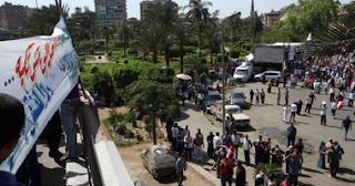 جانب من الوقفة المؤيدة للمجلس العسكرى بميدان حدائق القبة