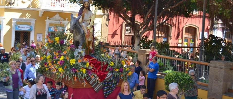 http://galdaraldia.es/2014/04/la-burrita-comienza-con-los-actos-procesionales-de-la-semana-santa-galdense/