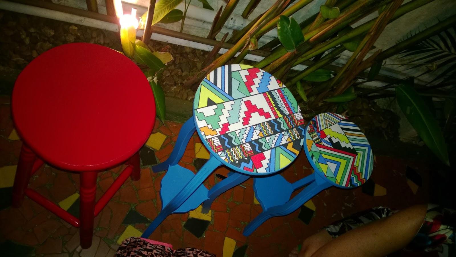 banco e mesinhas - oficina Mão na Massa - blog Casa de Colorir