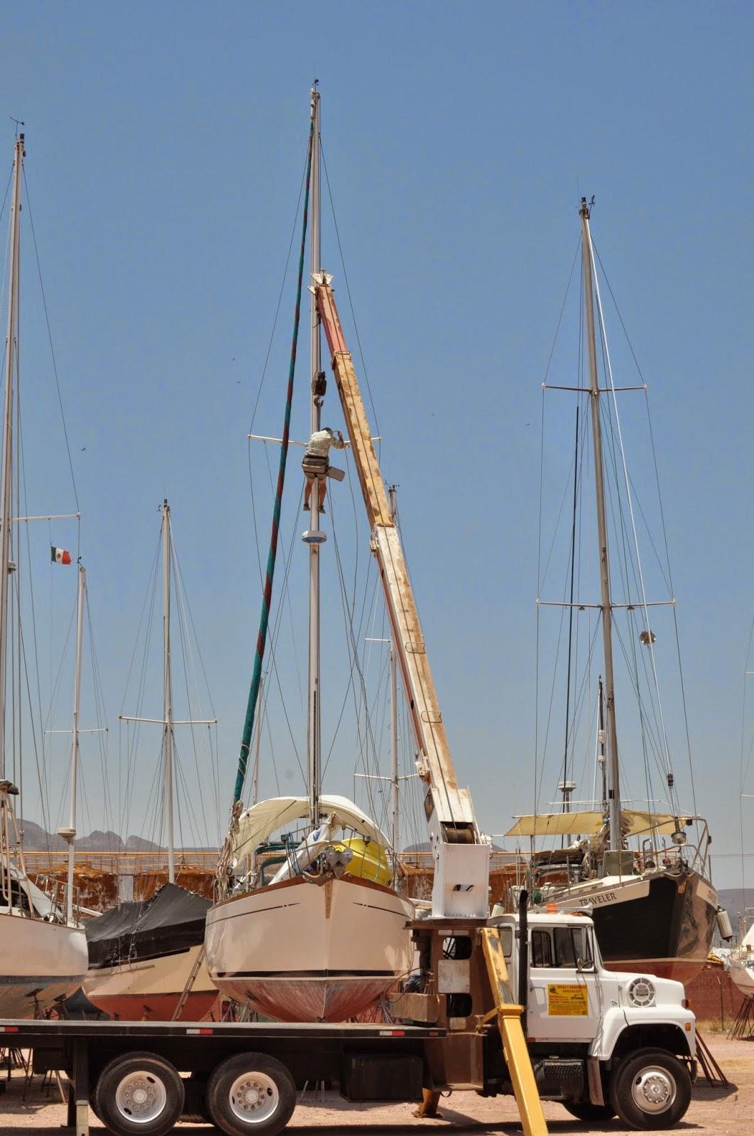 Pulling Del Viento's Mast