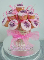 CUPCAKE BOUQUTTE