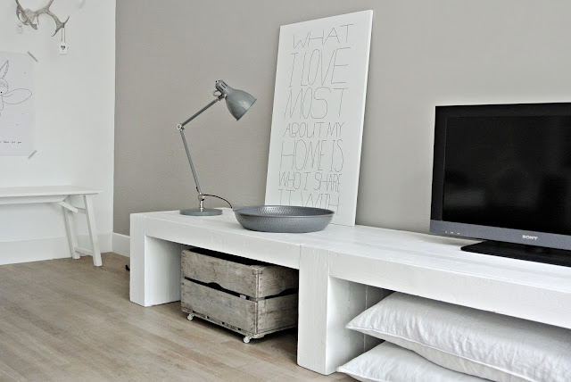 Lekker fris nieuw in de shop stoer tv meubel for Steigerhout tv meubel maken