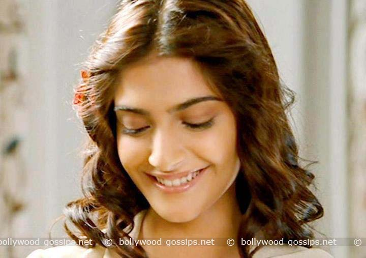 Bollywood Hot Actress Sonam Kapoor 's Hotest Unseen Photos Collection.