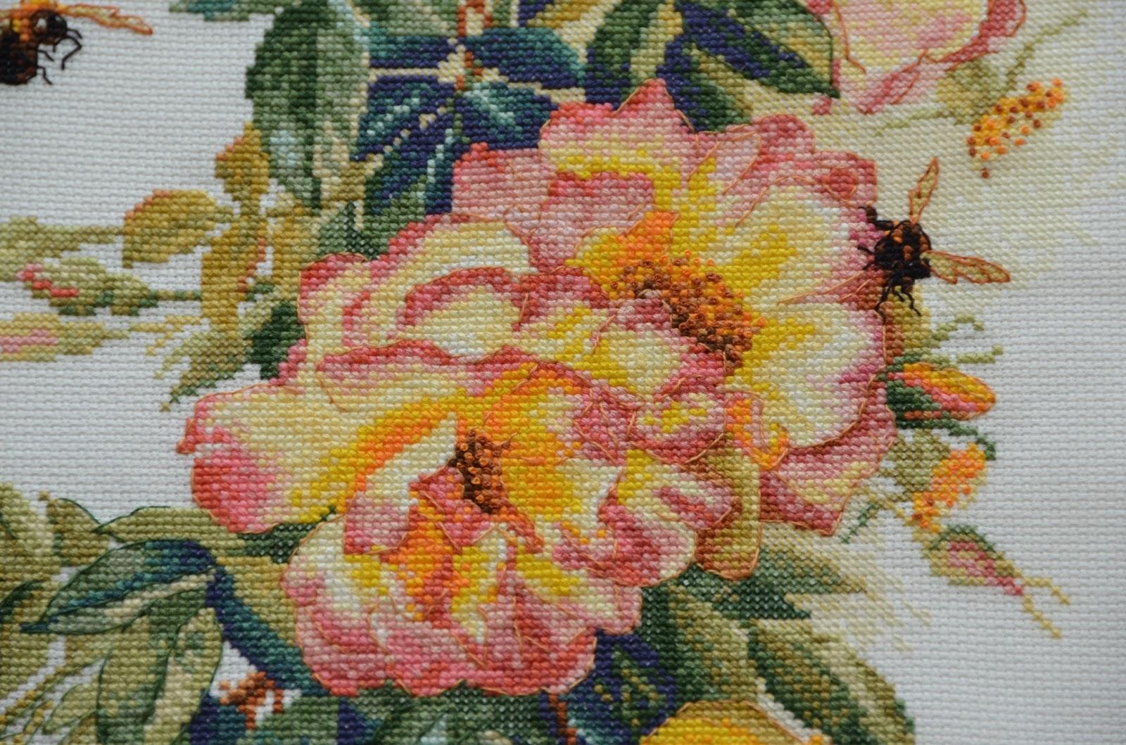 Розы вышивка искусница