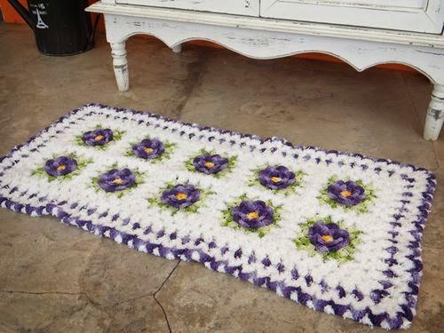 http://www.circulo.com.br/pt/receitas/decoracao/tapete-flores-branco-e-roxo
