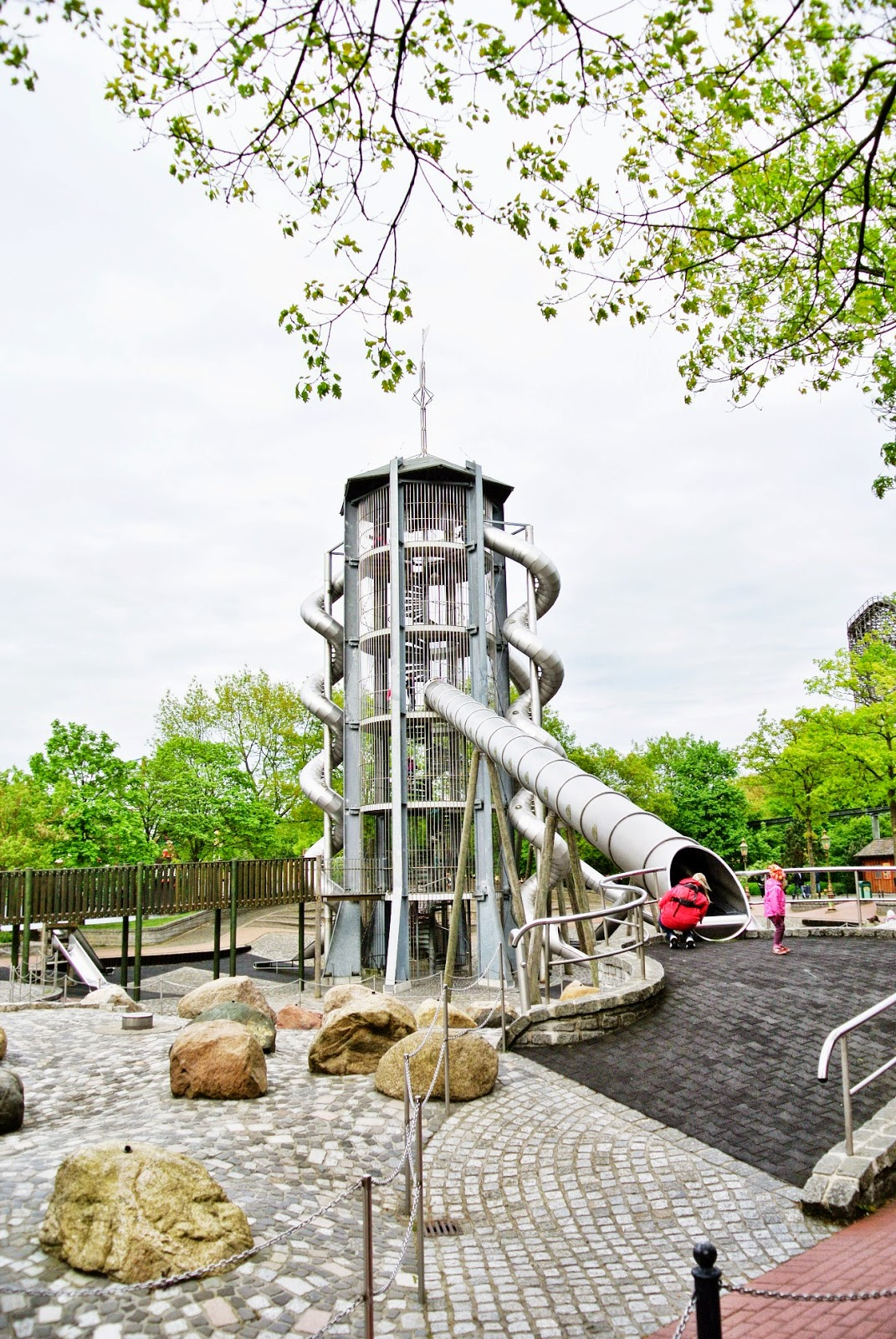 Długie ślizgawki,zjeżdżalnia w Heide Parku