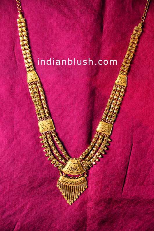 trendy and traditional necklace design